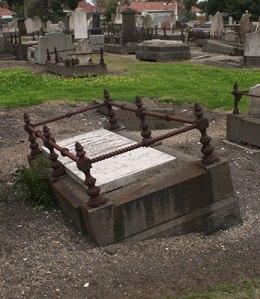 Sinking grave, Williamstown cemetery