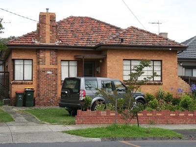 suburban-house-classic