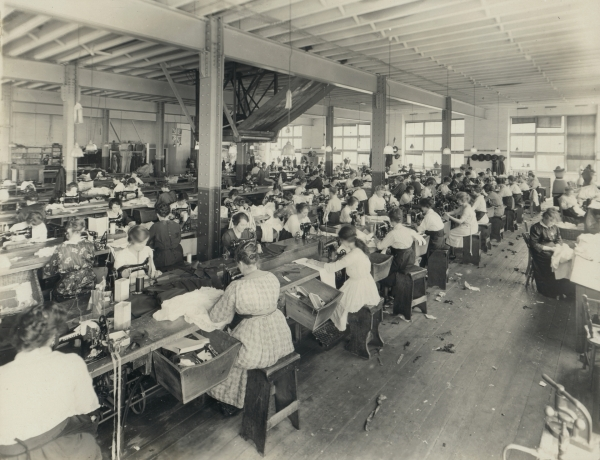 Workers at Foy and Gibson, 1922