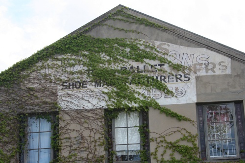 Ballet shoe manufacturers ghostsign