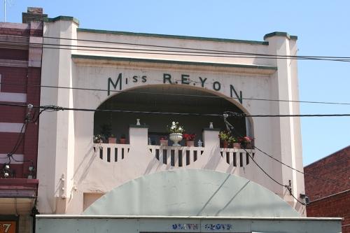 Miss R E Yon