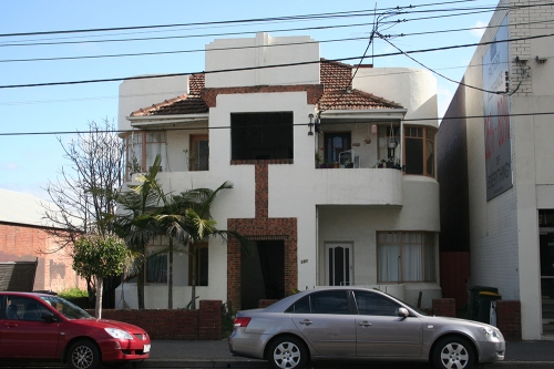 Moderne flats on Lygon Street
