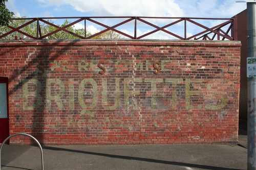 Briquettes ghostsign