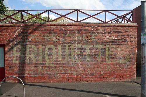 Briquettes ghostsign