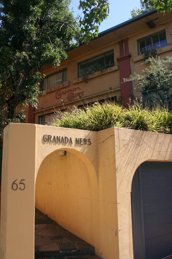 Granada-court