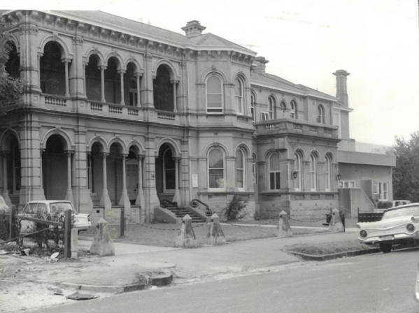B1544 Sherwood Hall 14 Hennessy Avenue Elwood c1963