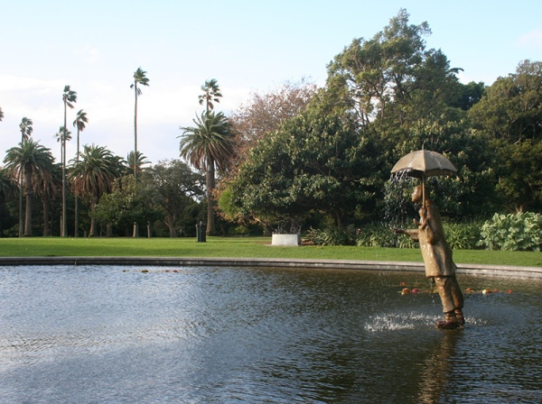 St_Kilda_Gardens_lake_1