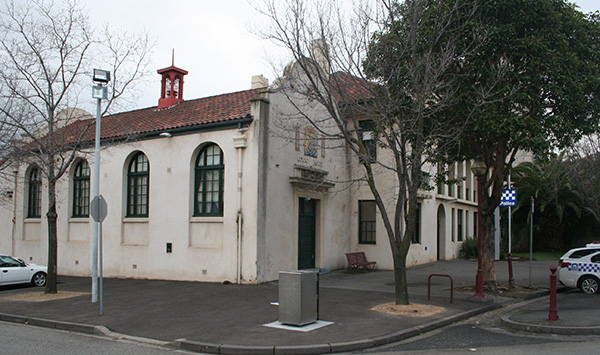 spanish-mission-courthouse