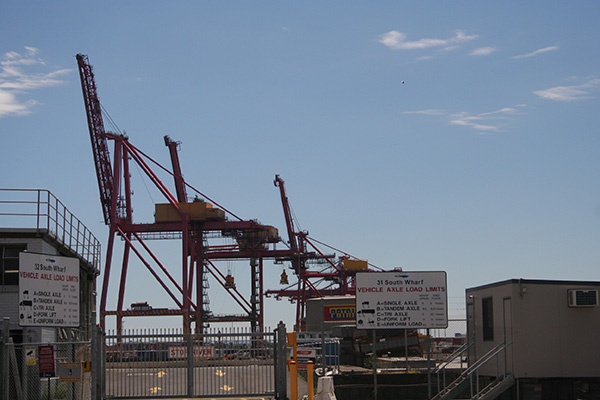 cranes_south_wharf